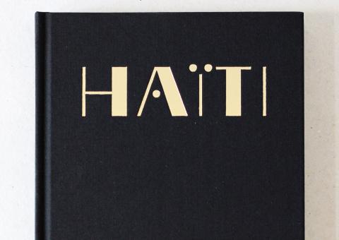 """Création graphique pour le livre """"Haïti"""" du photographe Corentin Fohlen aux éditions Light Motiv."""